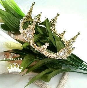 *NEW Rhinestone Encrusted Golden Crown*